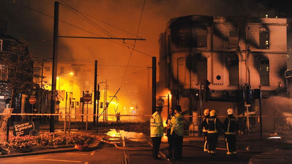 Požár obchodu House of Reeves