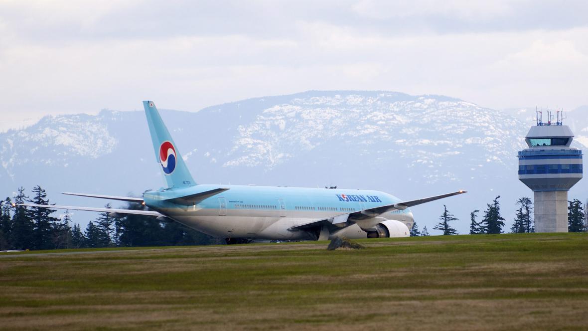 Letadlo Korean Air po nouzovém přistání