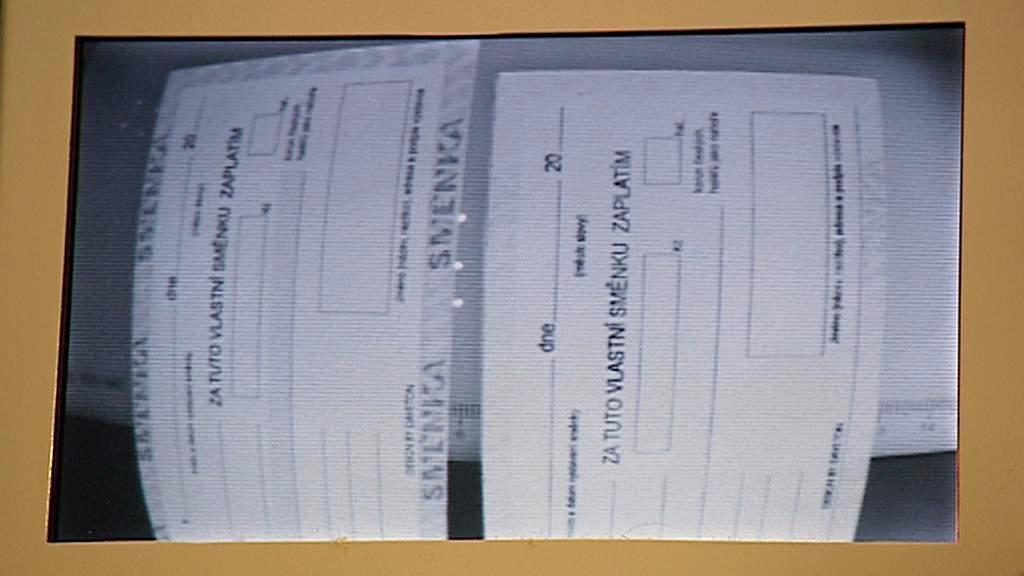 Padělky dokumentů - ochranné prvky viditelné  pod infračerveným světlem