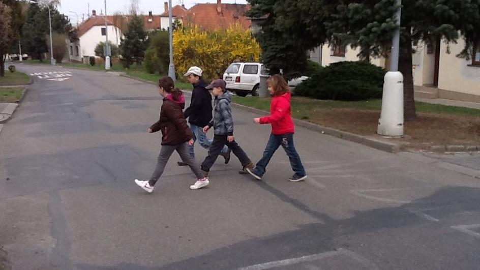 Dětem chybí přechod pro chodce