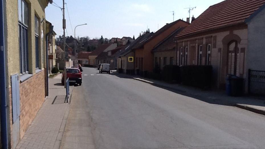 V Brně Chrlicích chybí přechod