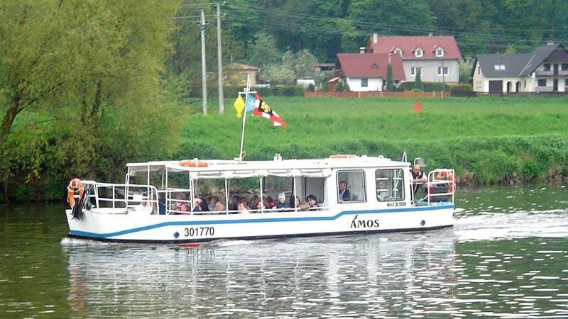 Výletní loď Ámos na Baťově kanálu