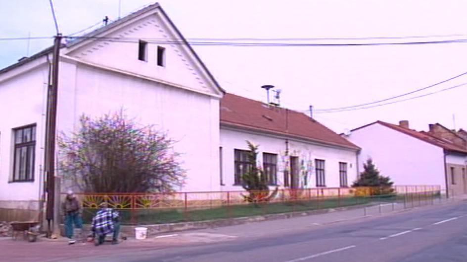 Školu v Tetčicích čeká rekonstrukce