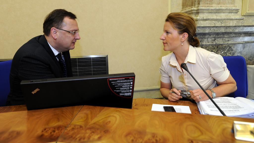 Petr Nečas (ODS) a Karolína Peake (VV)