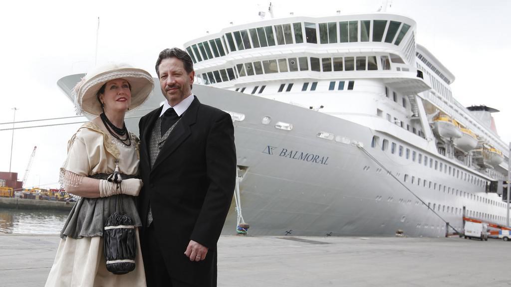 Loď kopírující trasu Titaniku