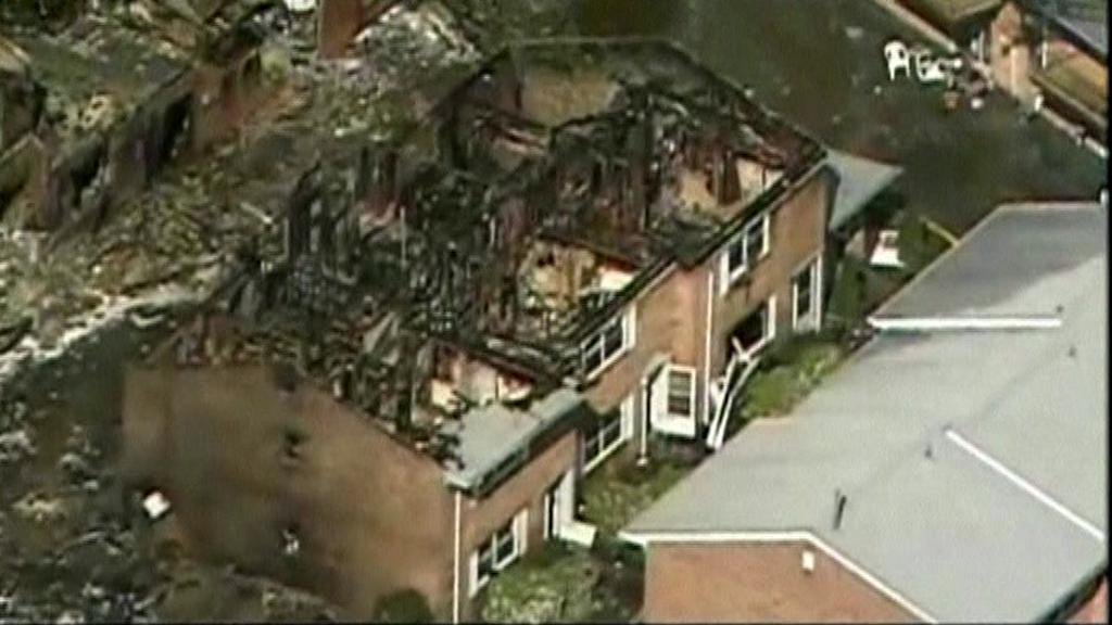 Ruiny domů po pádu stíhačky v americké Virginii