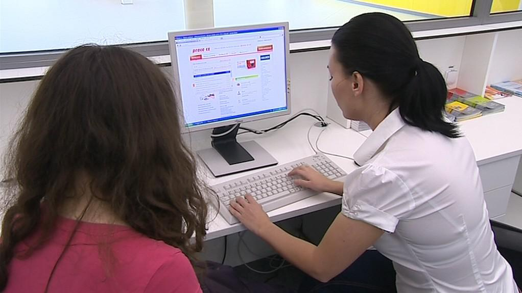 Job centrum pomáhá absolventům s hledáním práce