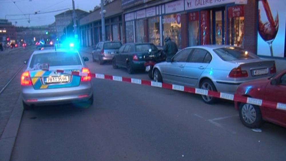 Dva lupiči přepadli směnárnu v centru Brna, zranili směnárníka