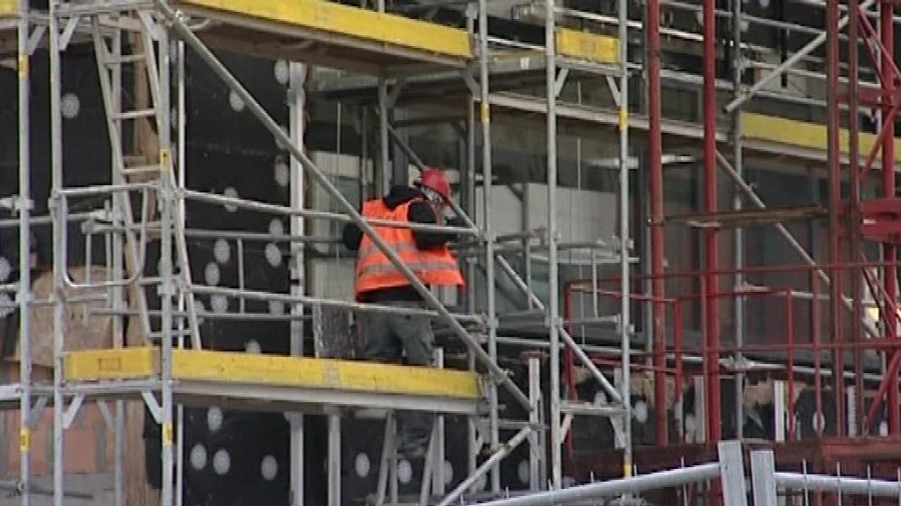 Na stavbě zahynul dělník