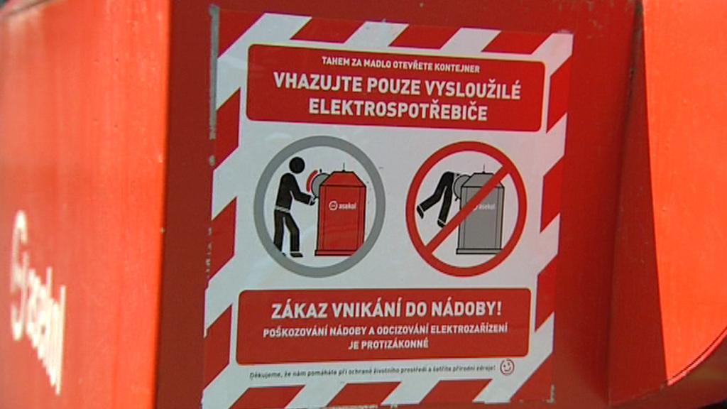 Upozornění na nových kontejnerech pro elektroodpad