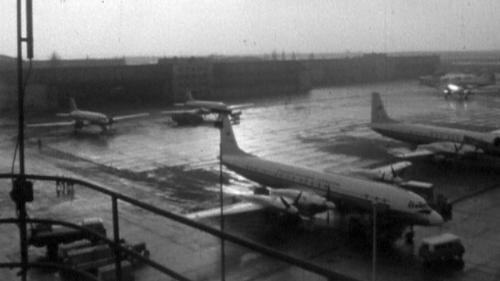 Dobový snímek letiště v pražské Ruzyni