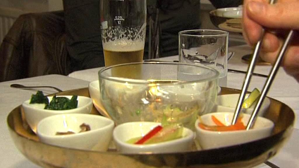Jídlo v severokorejské restauraci