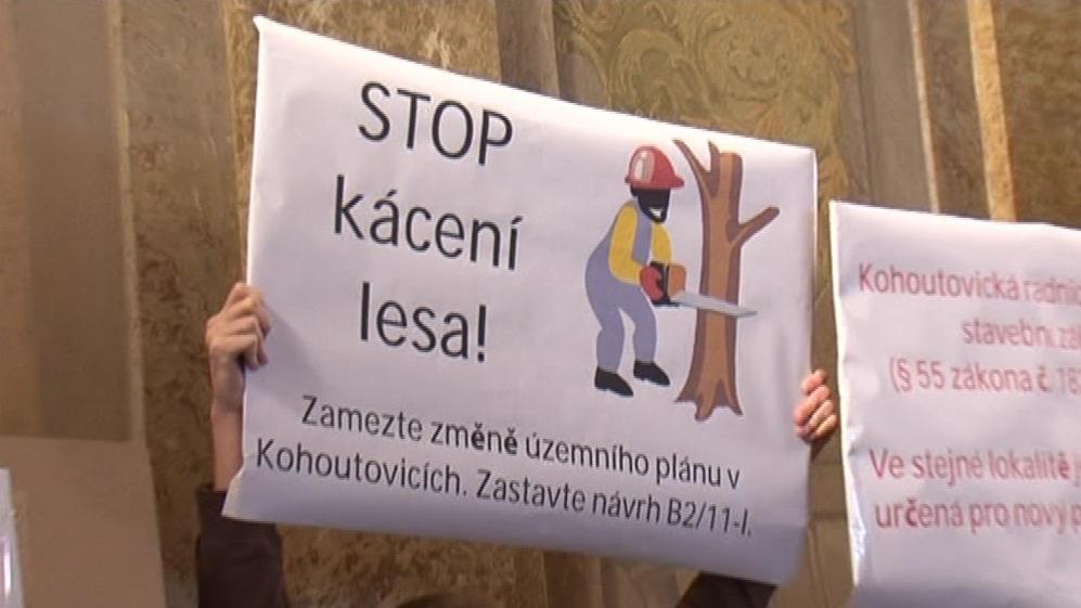 Proti kácení se v Brně-Kohoutovicích zvedla vlna odporu