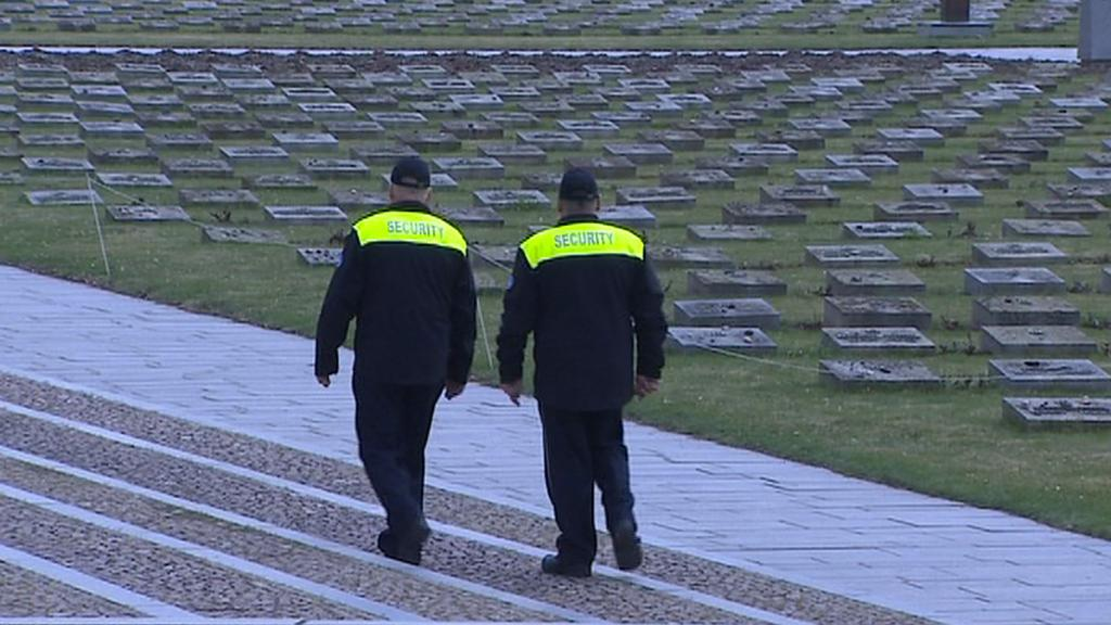 Bezpečnostní služba kontroluje památník v Terezíně