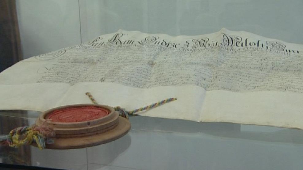 Výstava ukazuje mnohé předměty z depozitářů