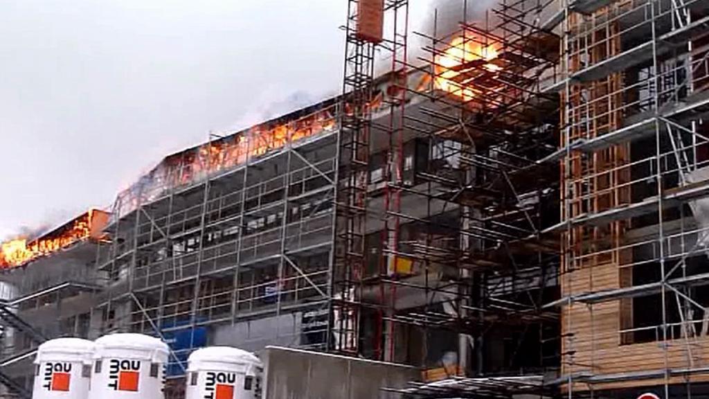 Požár rozestavěného hotelu v Dolní Moravě