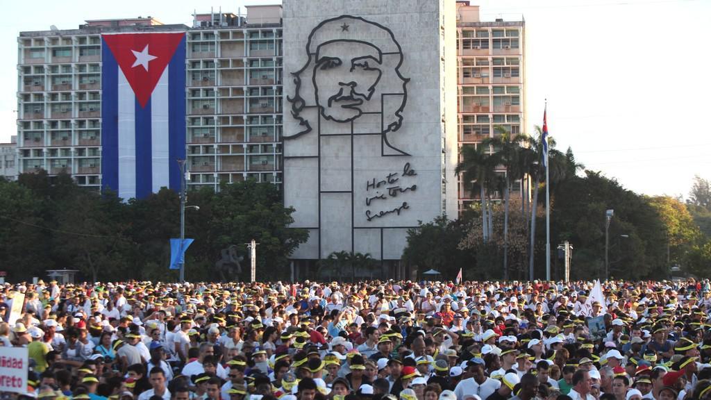 Kubánci na papežově mši v Havaně