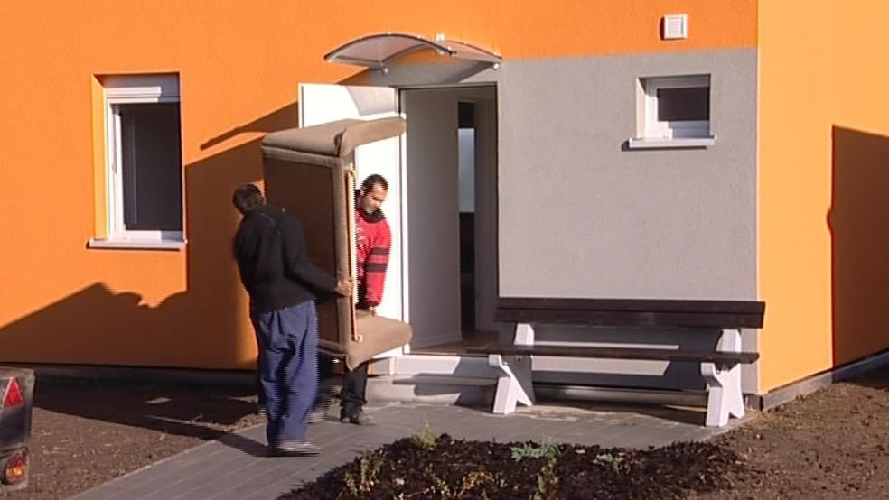 Obyvatelé Holešova se stěhují do kontejnerových domků