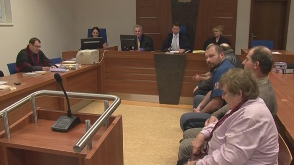 Zastupitelé Hajan před soudem