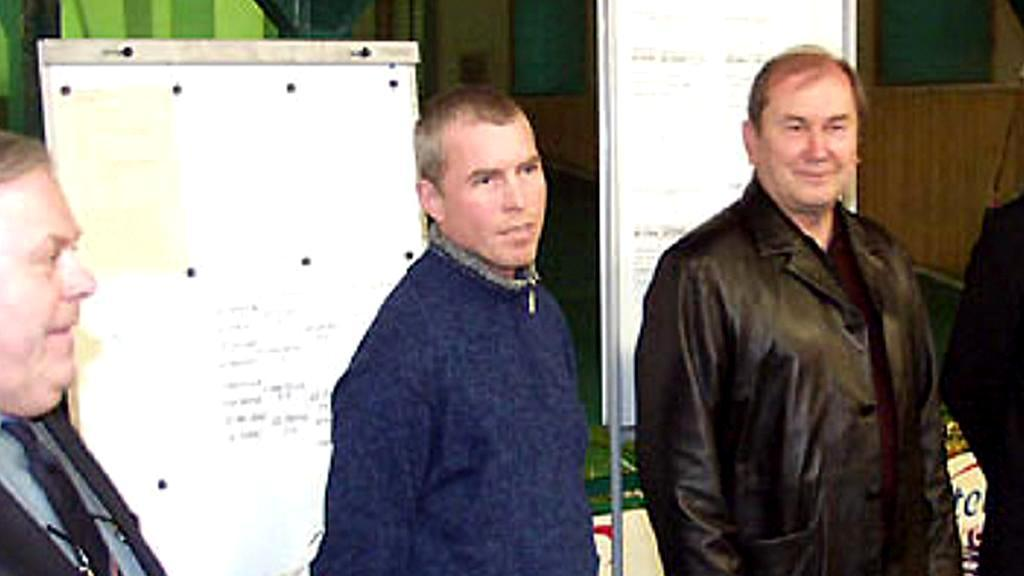 Spolumajitel klubu Erpet Václav Petr (uprostřed)