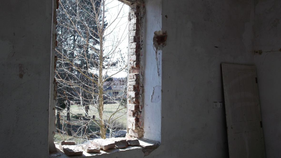Na současném stavu budovy se podepsala léta chátrání
