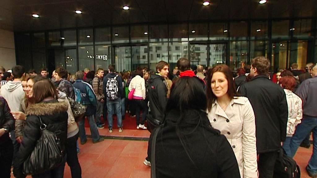Otevření si nenechaly ujít zhruba dvě stovky lidí