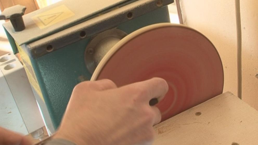 Vězni vyrábějí hračky pro děti