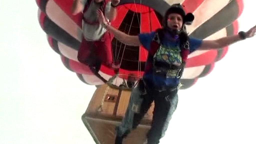 Poslední záběry letícího balónu