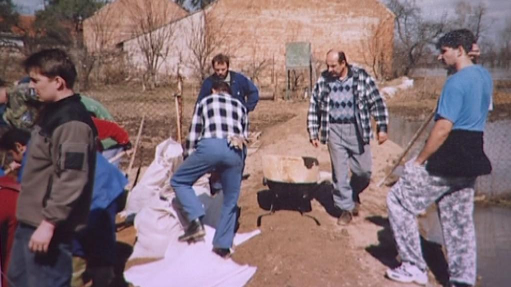 Fotografie cvrčovických povodní z roku 2006