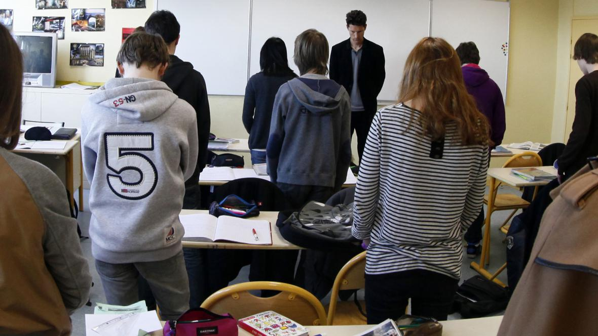 Francouzské školy držely minutu ticha