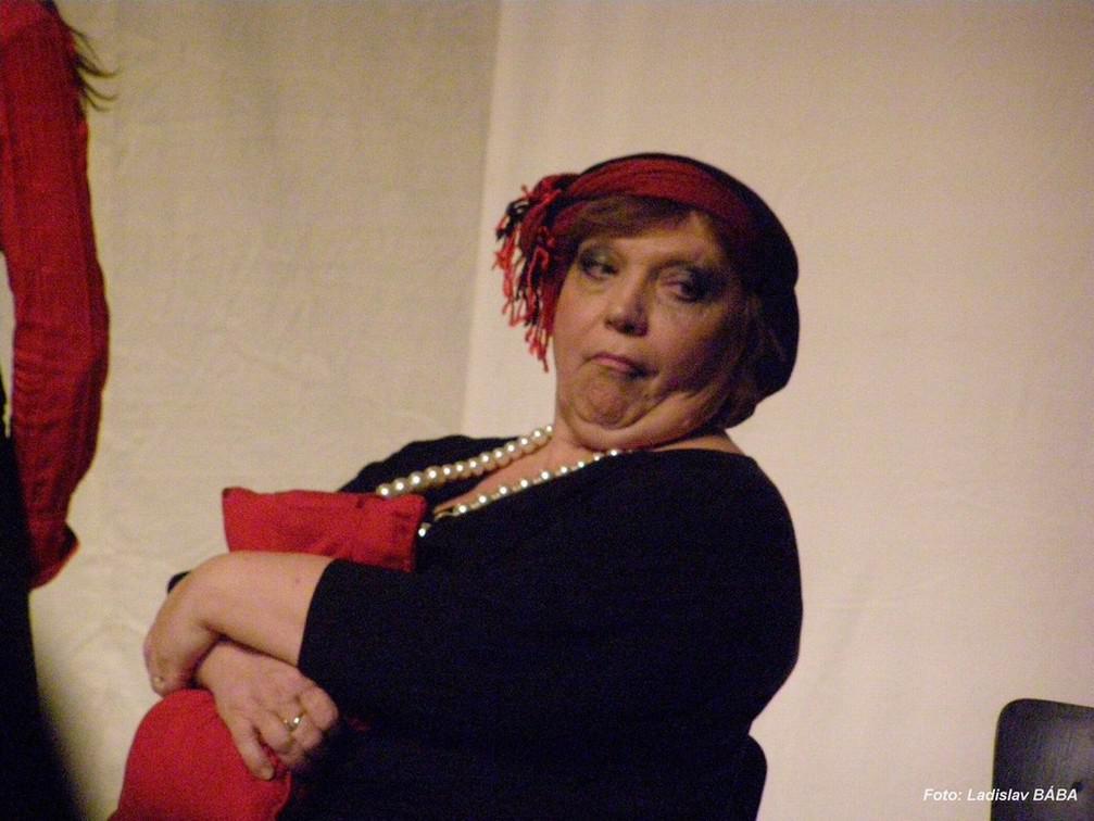Lounské divadlení - Osm žen