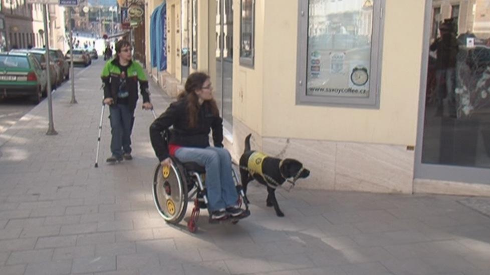 Lidé s handicapem získají bezbariérový atlas