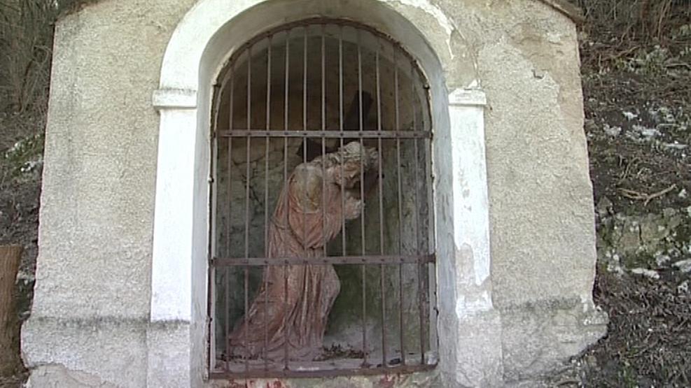 Jedna z kapliček křížové cesty v Mikulově
