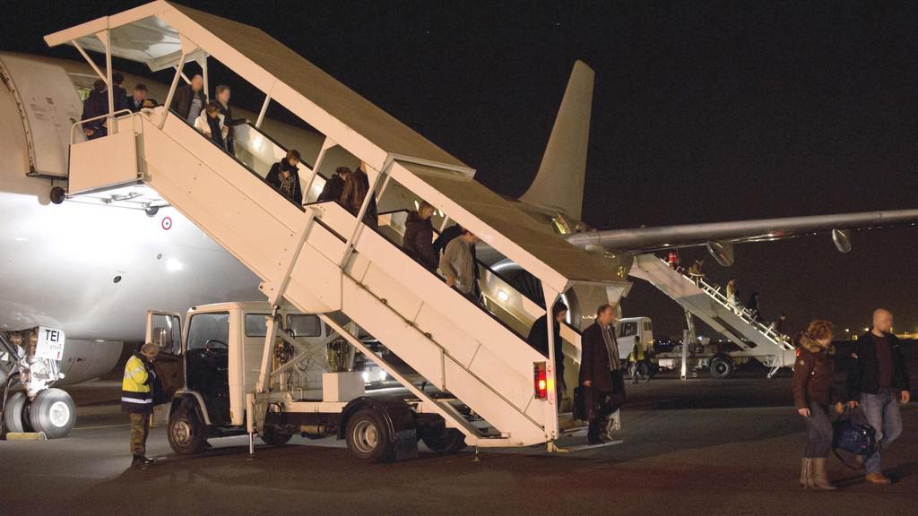 Rodiče dětí z havarovaného autobusu na letišti v Belgii
