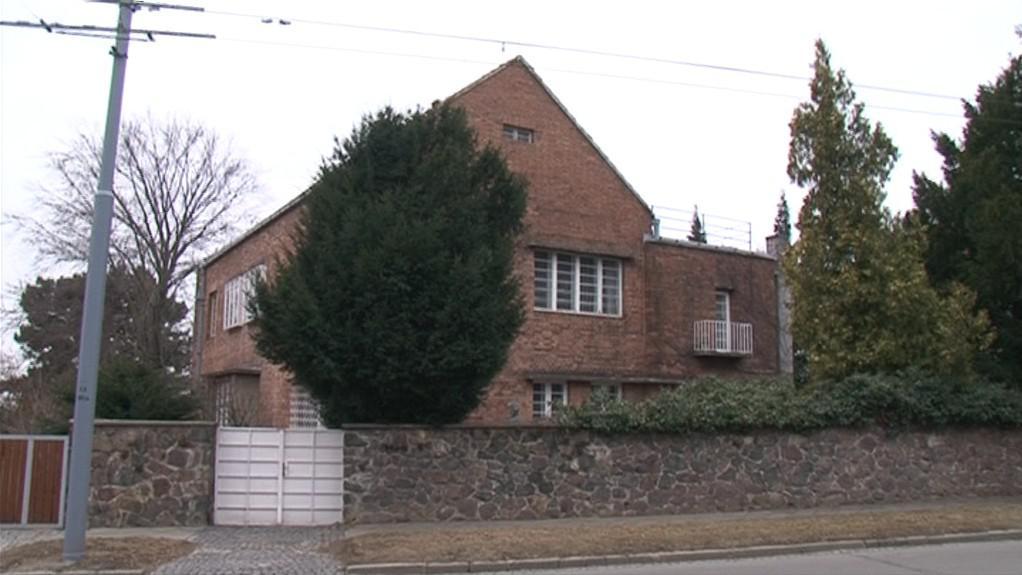 Vlastní vila Jindřicha Kumpošta, kterou majitelé udržují v původní kráse