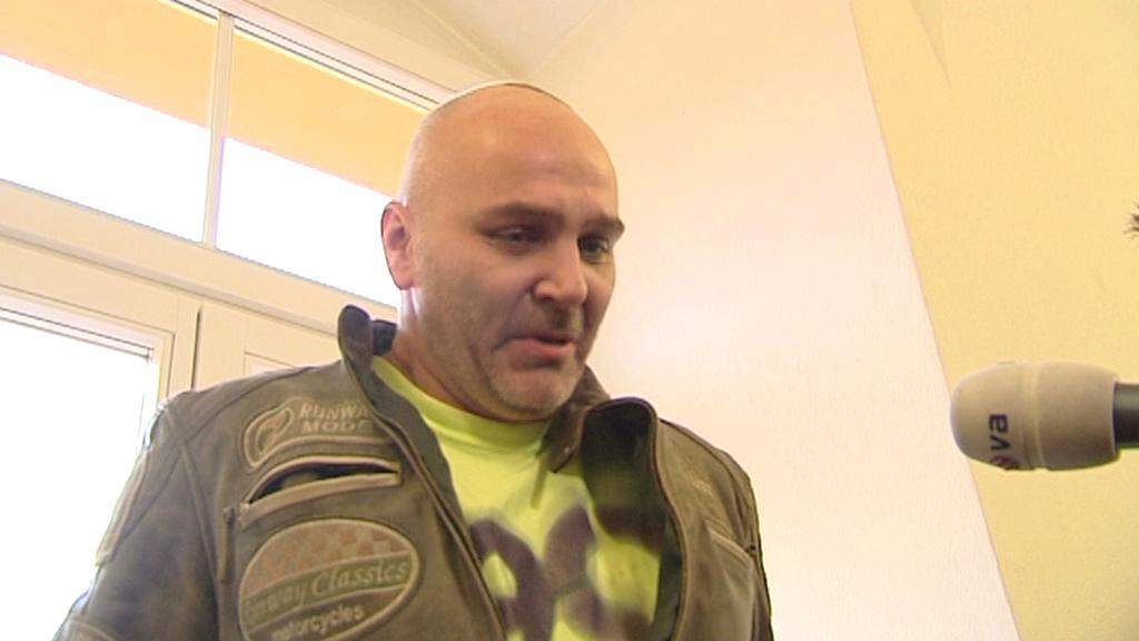 Řidič, který v Hradci Králové srazil dvě děti
