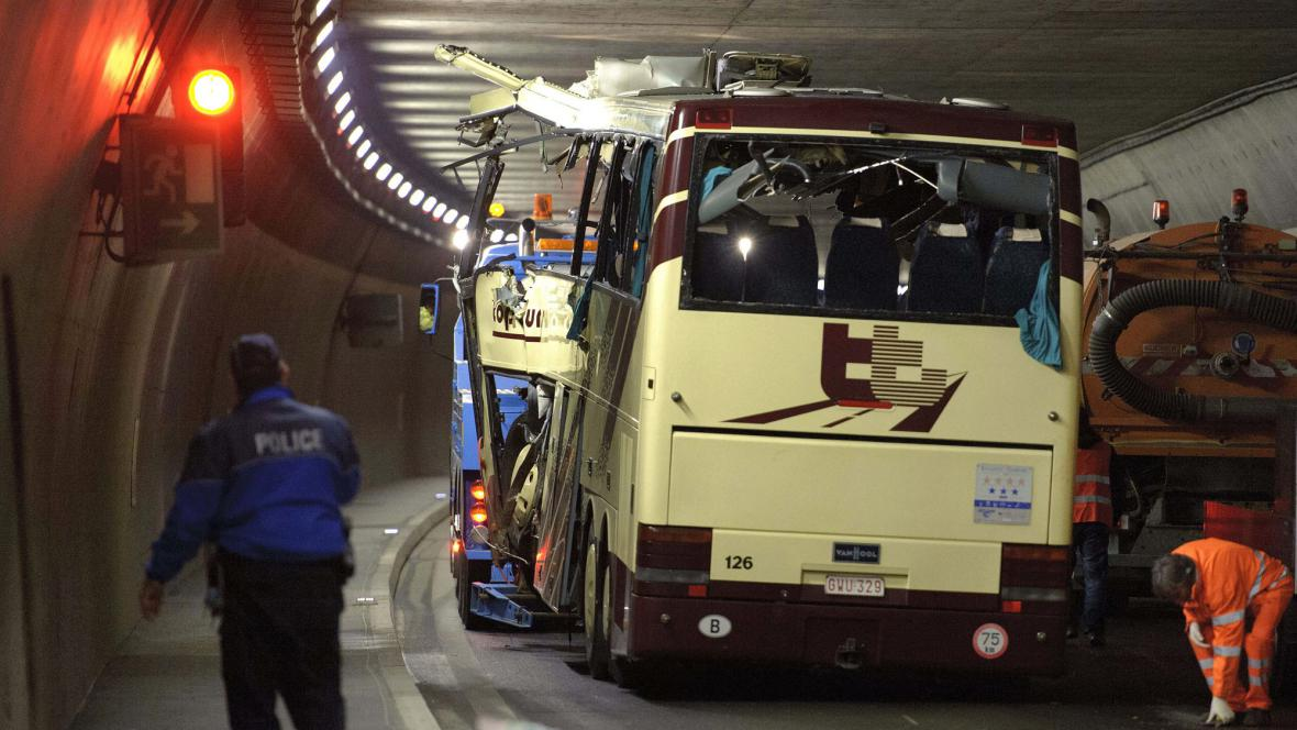Vrak havarovaného autobusu