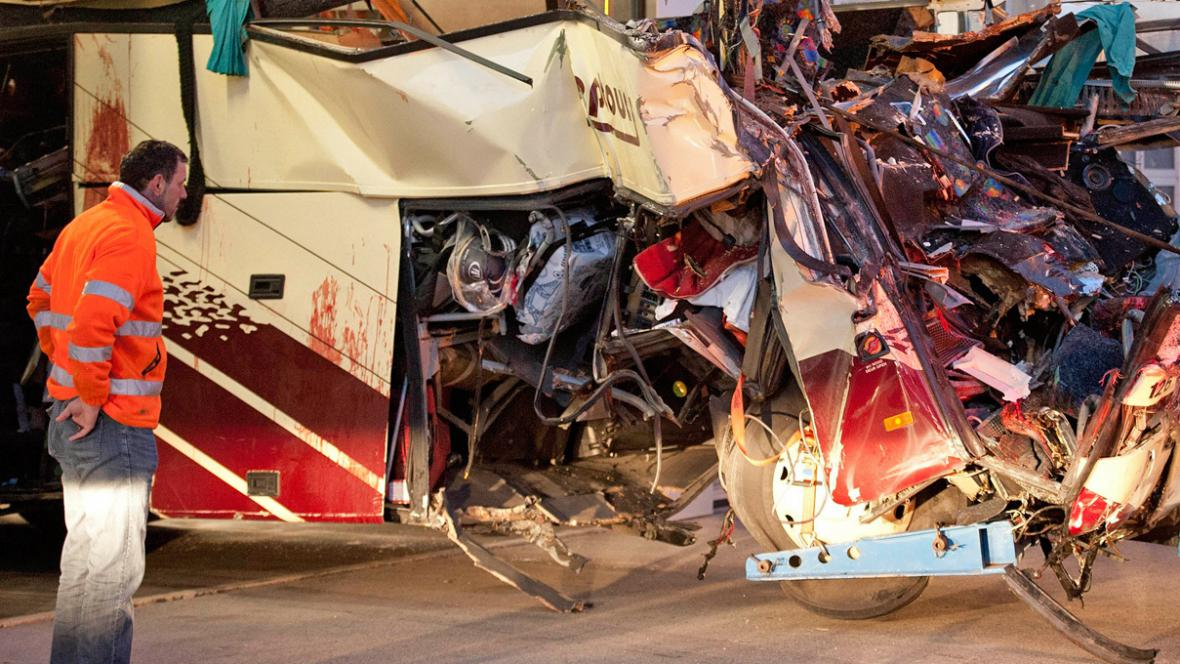 Tragická nehoda belgického autobusu ve Švýcarsku