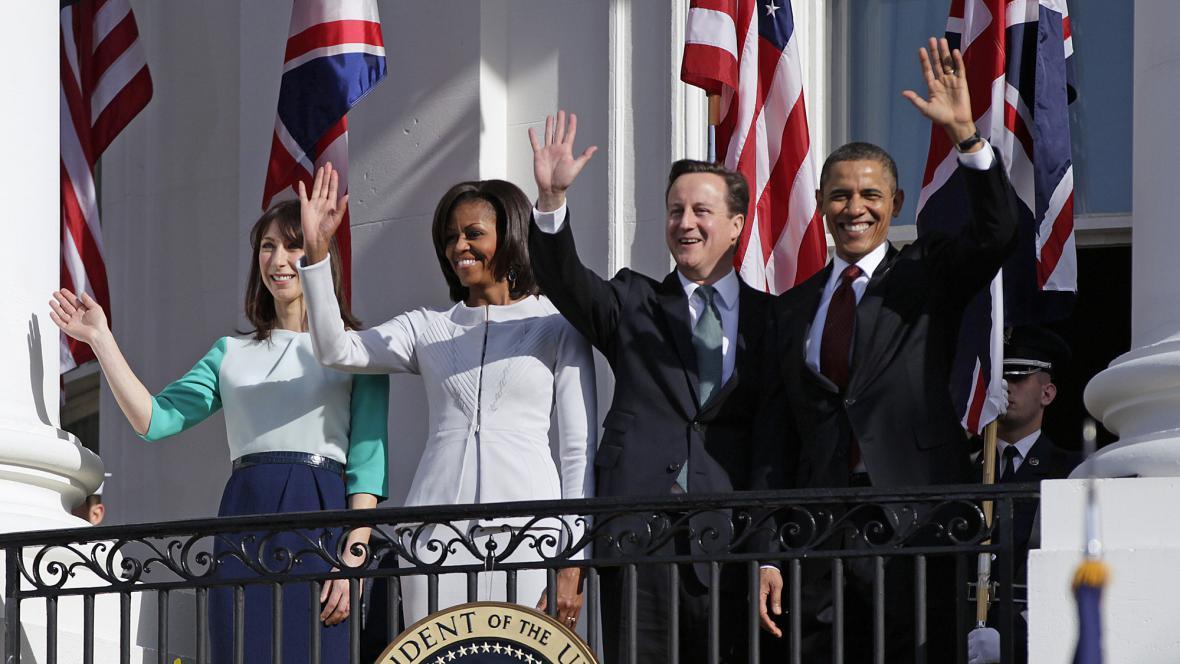 Americký prezidentský pár přivítal britský premiérský pár