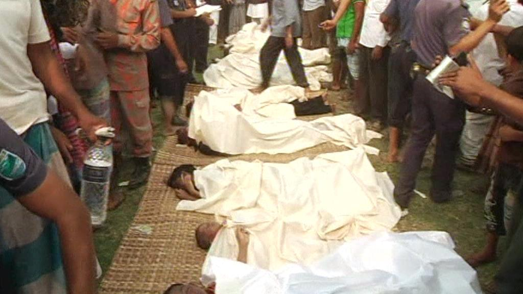 Oběti havárie trajektu v Bangladéši