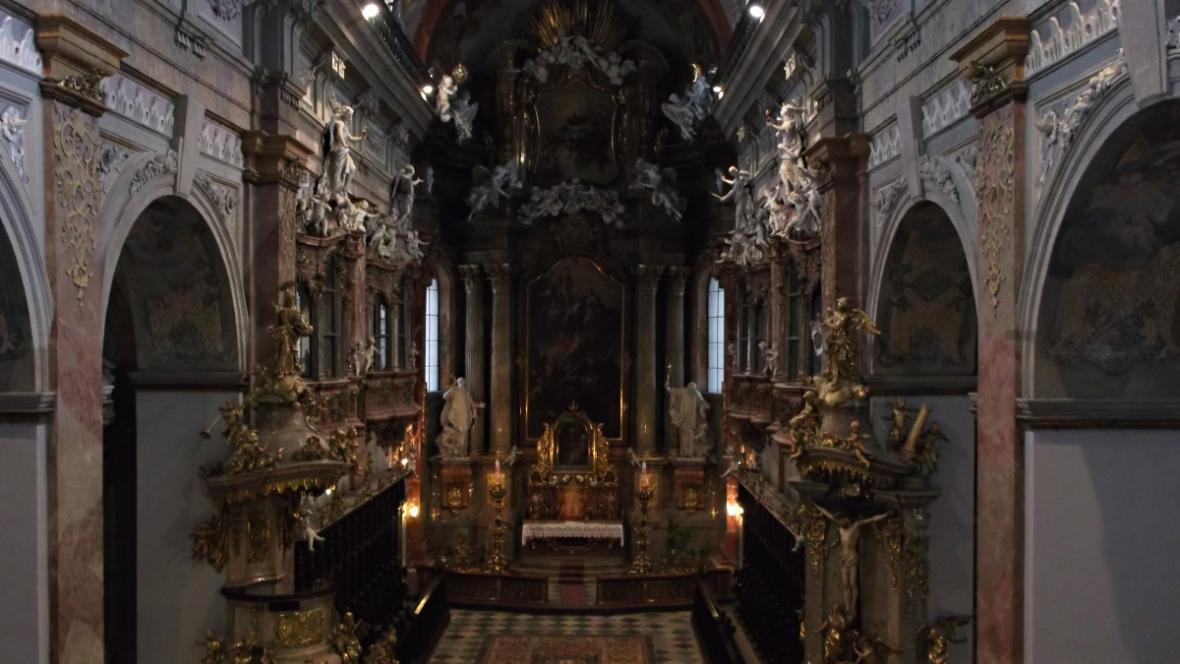 Oltář jezuitského kostela svaté Panny Marie v Brně