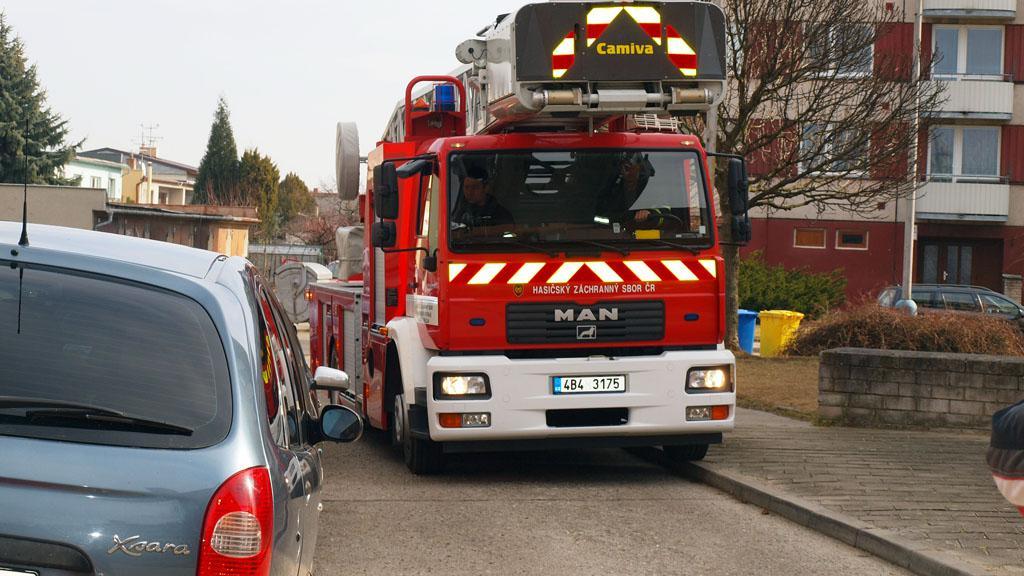 Někde hasiči projedou jen s obtížemi