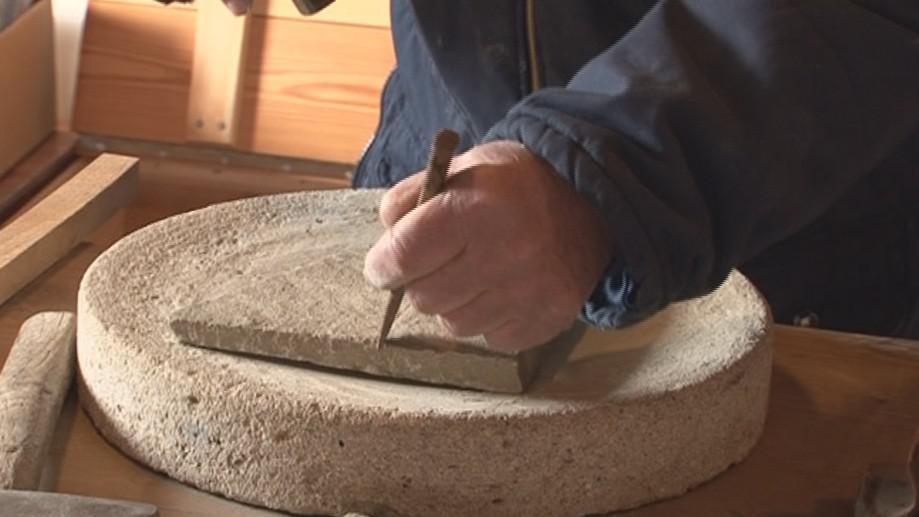 Starodávný brusný kámen