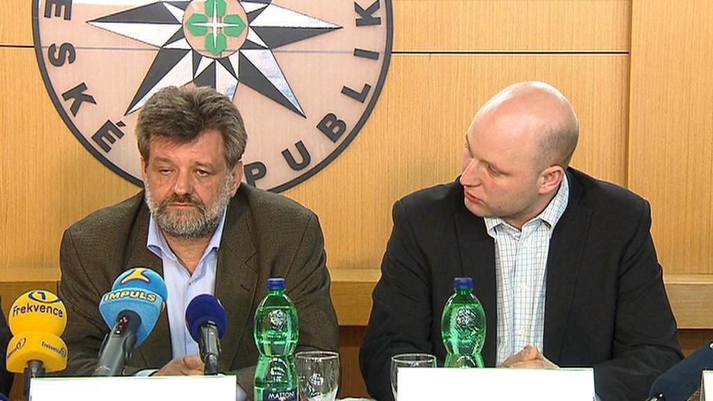 Ministr vnitra Jan Kubice na brífinku
