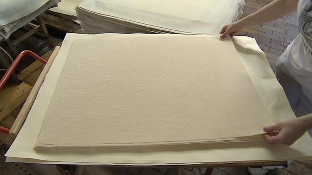 Výroba ručního papíru