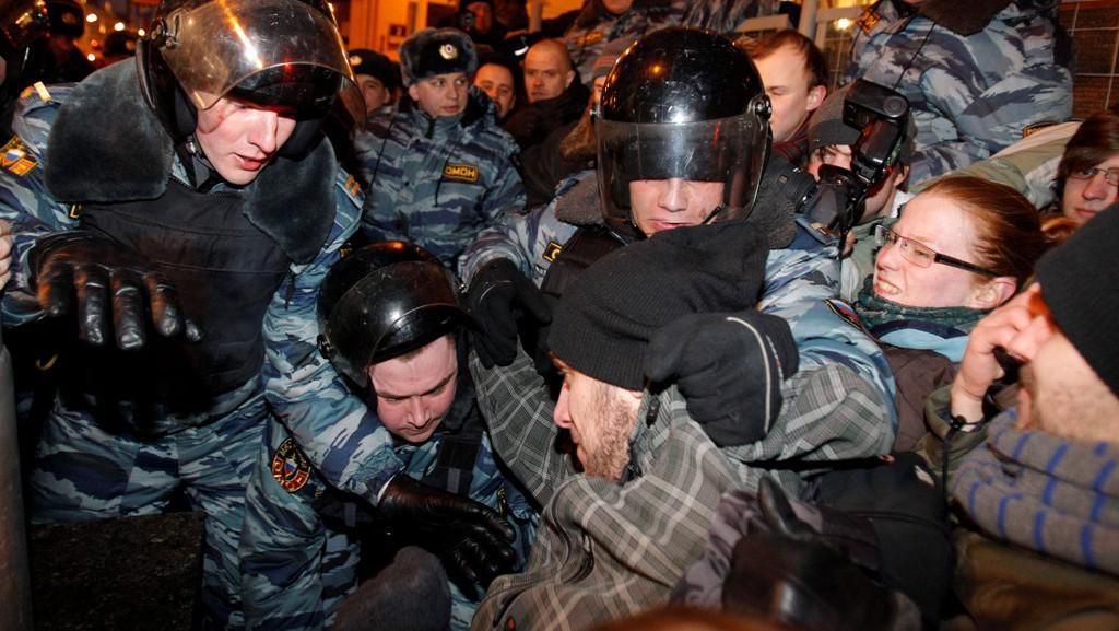 Ruská policie zasahuje proti opozičním demonstrantům