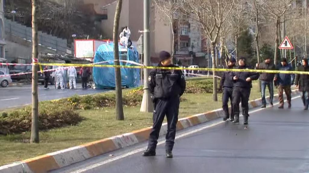 Turecká policie na místě výbuchu nálože v Ankaře