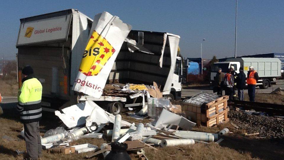 Řidič kamionu vyvázl s lehkým zraněním
