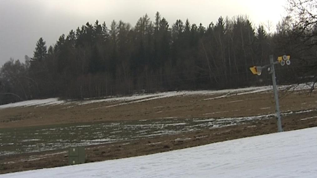 Sníh už leží jen na sjezdovkách