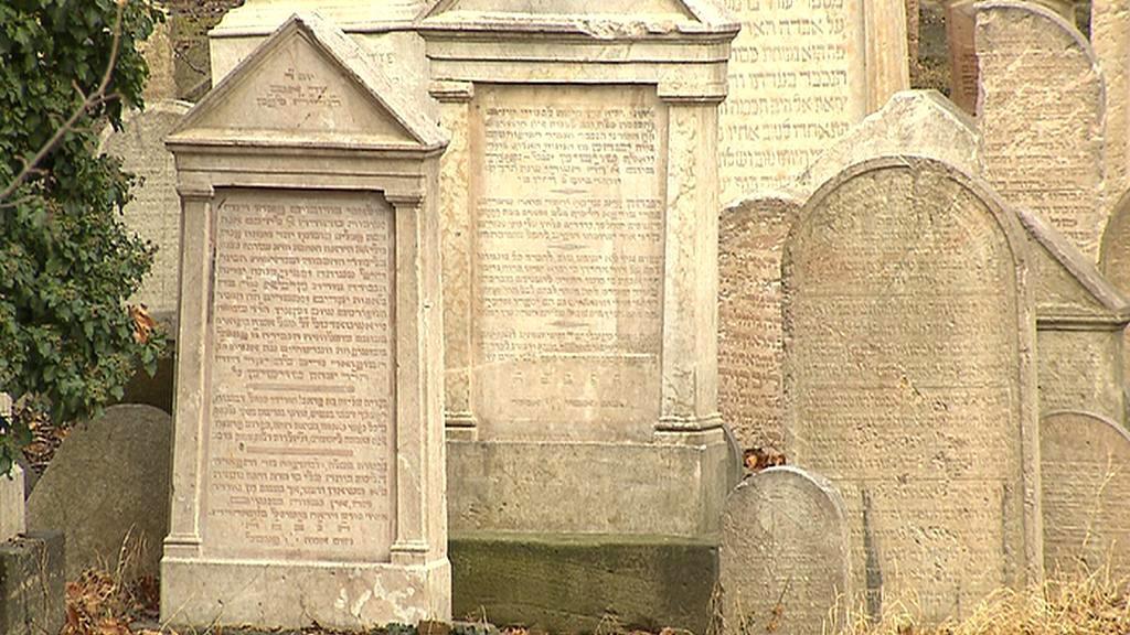 Náhrobky židovského hřbitova na Žižkově